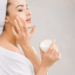 Как подобрать крем для чувствительной кожи лица
