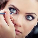 Как научиться красить глаза подводкой